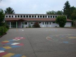 Schulhof alt